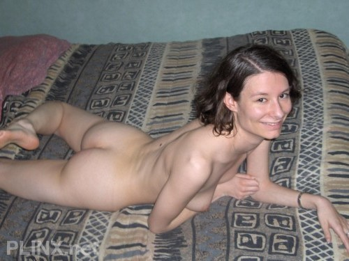 Harry Potter Fan Teennie Show Her Shaved Cute Pussy