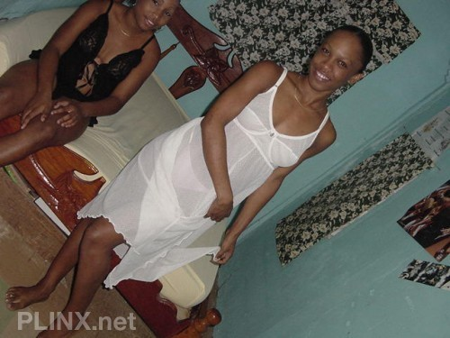 Africa Tour – Naked Black Amateur Girl 02 Pictures